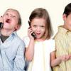 نگرانی برای کاهش سن استفاده از تلفن همراه تا سن ۶ سالگی